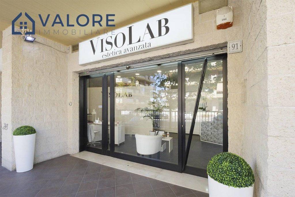Locale commerciale Via Villa di Faonte 01